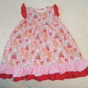 Super adorable holiday dress!